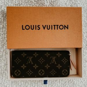 Louie Vuitton Clemence Wallet